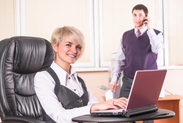 企業メールでのインタビューの書き方や例文・文例・書式や言葉の意味などと記入例